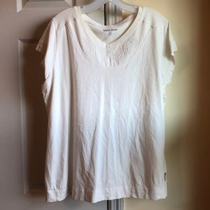 Woolrich white tee with embossed neckline